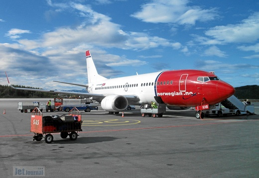 LN-KHB B737-31S Norwegian EVE
