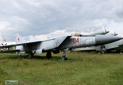 MiG-25PD, 04 rot