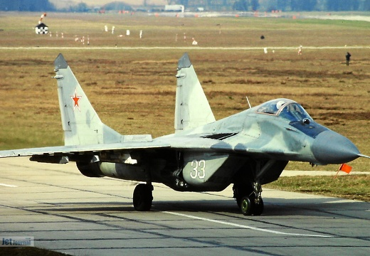 33 weiss, MiG-29