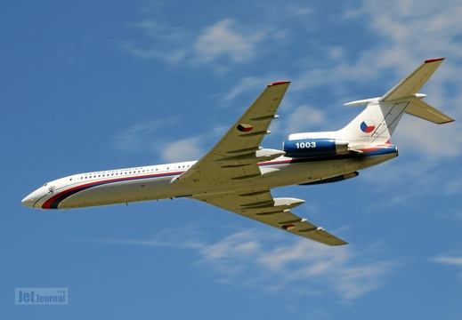 1003 Tu-154M Fly By