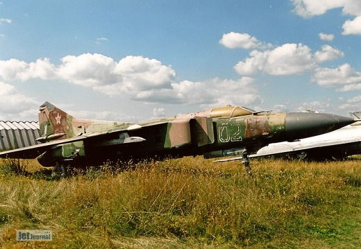 MiG-23M, 02 rot/weiss