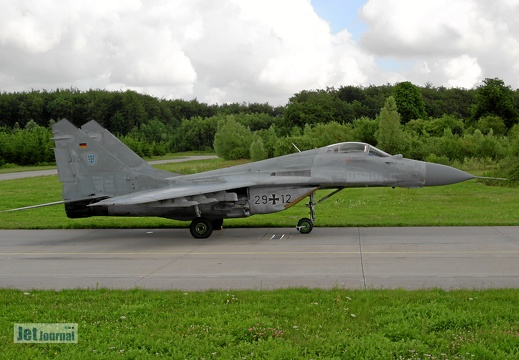 29+12 MiG-29G Pic2