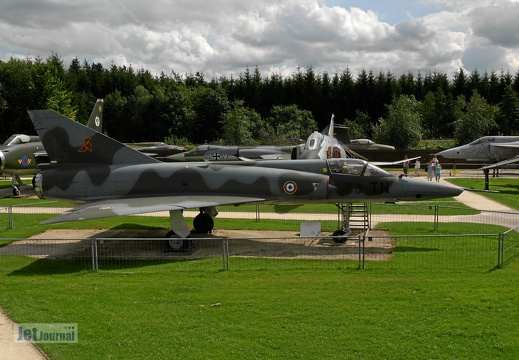 33-TN 304 ex 310 Mirage IIIR Pic3