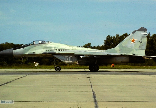 30 weiss, MiG-29