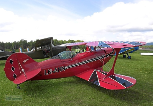 LN-AHN Pitts S-2A Special