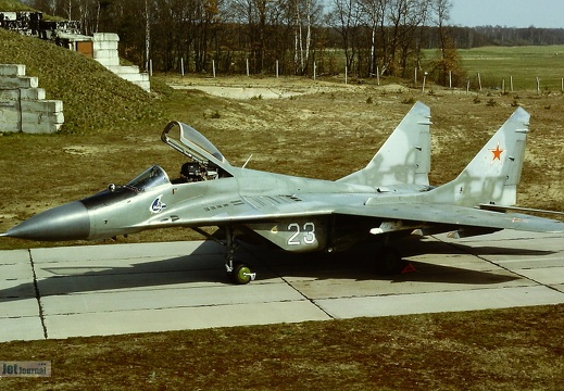 23 weiss, MiG-29