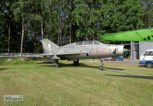 2719 fake 2420 MiG-21U-600US Polish Eagles Foundation
