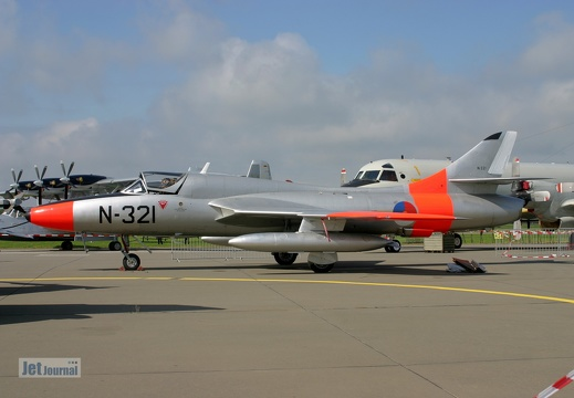 G-BWGL, N-321, Hawker Hunter T8C