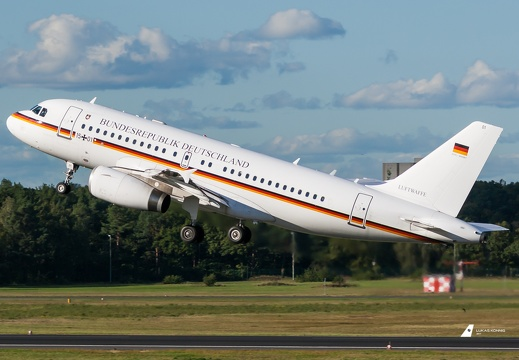 15+01 German Air Force Airbus A319-133(CJ) (EDDT/TXL)