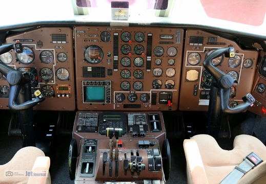 OK134, XL05, L-610M Cockpit