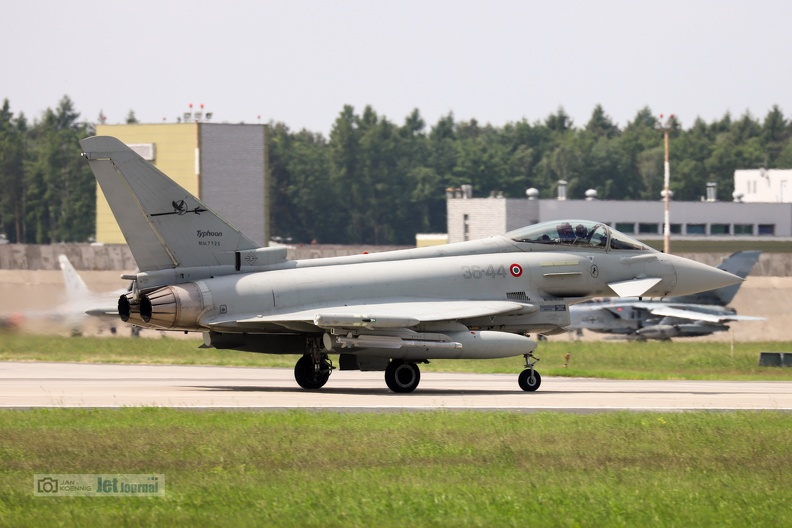 eurofighter3644-tm2018-1-15c.jpg