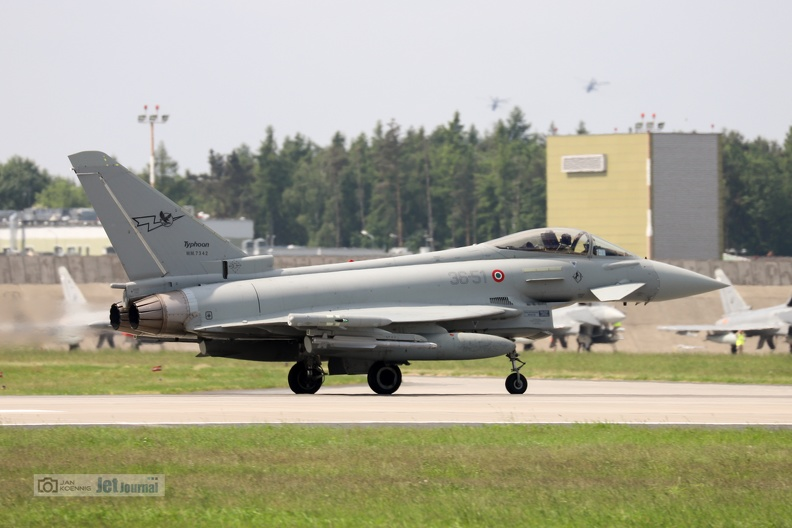 eurofighter3651-tm2018-1-15c.jpg