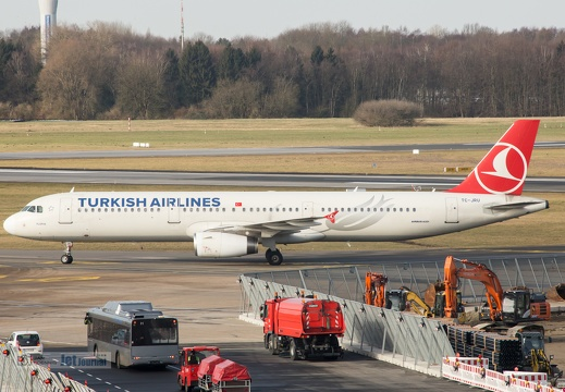 TC-JRU, Airbus A321-231, Turkish Airlines