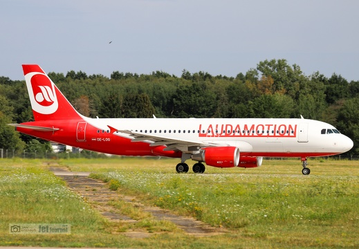 OE-LOG, A320-214, Laudamotion