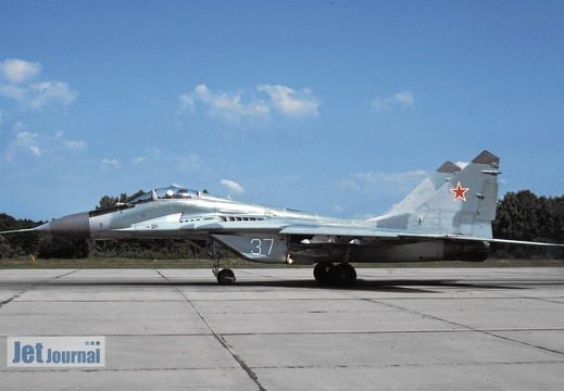 37 weiss, MiG-29