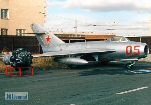 05 rot, MiG-17F, Soviet Air Force